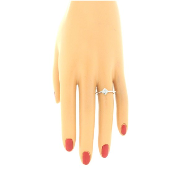10Kt White Gold Princess Cut Genuine Diamond Promise Ring 0.16 cttw